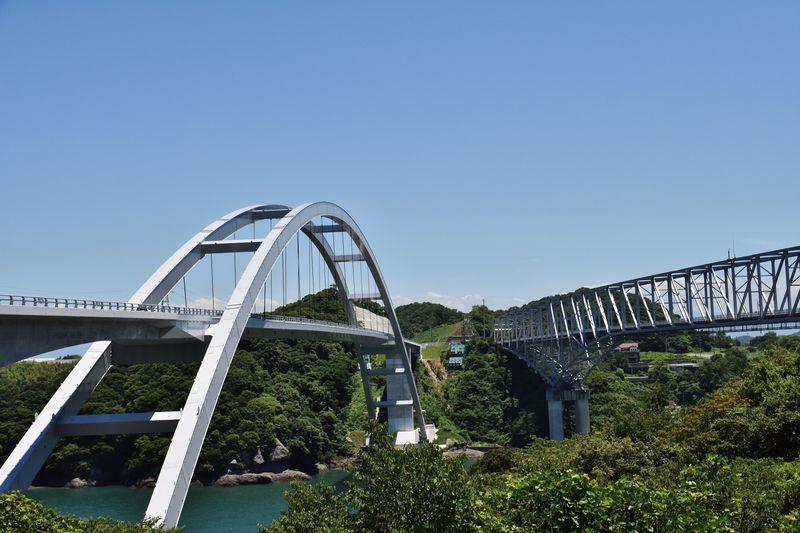 新天草1号橋(左) 旧天草1号橋(右)